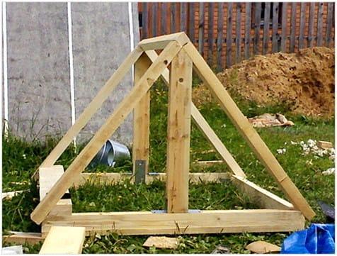 Как сделать домик для колодца своими руками - 3