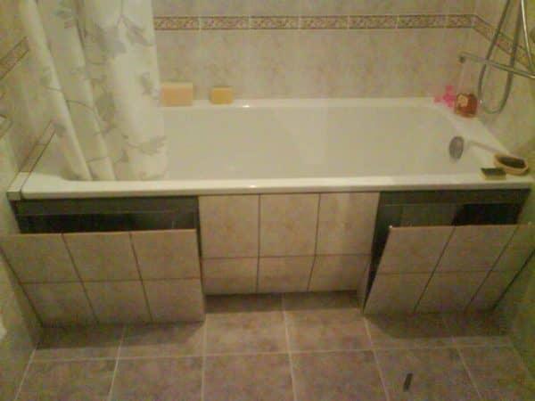 Как закрыть ванну сбоку своими руками 98