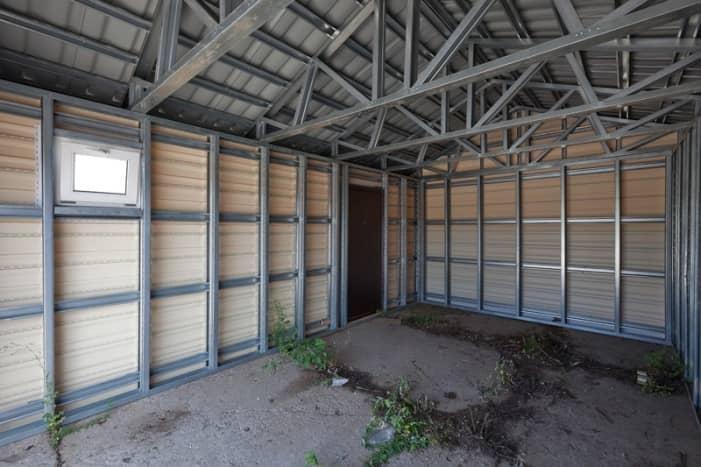 Из чего построить металлический гараж своими руками