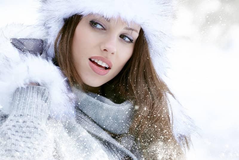 2aa713f46441c0974f12059b94d79a2b Модна зима 2017  що носити взимку  фото  ідеї fbf363e717239
