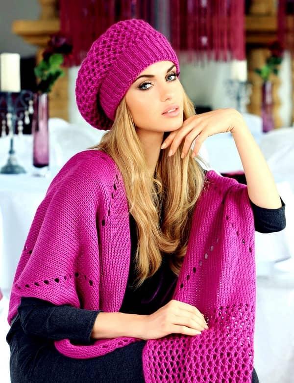 78634073edd81693bbbb71ab95262a17 Модні зимові жіночі шапки 2017 2018  фото c2ec057250341