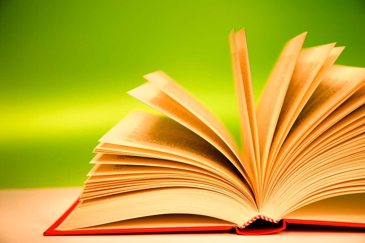 картинки книг для слайда самая романтичная известная