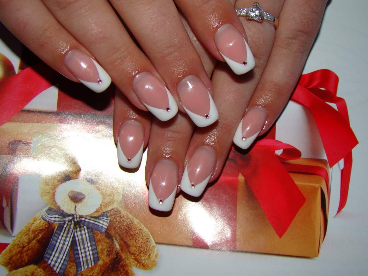 Красивые нарощенные ногти новинки фото французский маникюр