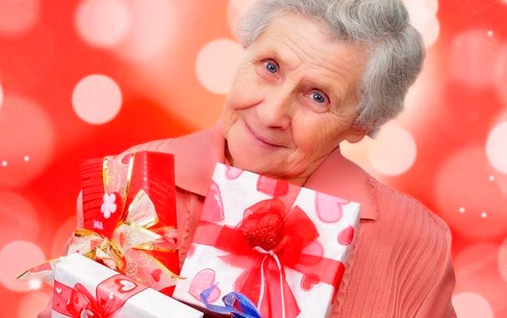 Подарки для 70 летней женщины 82