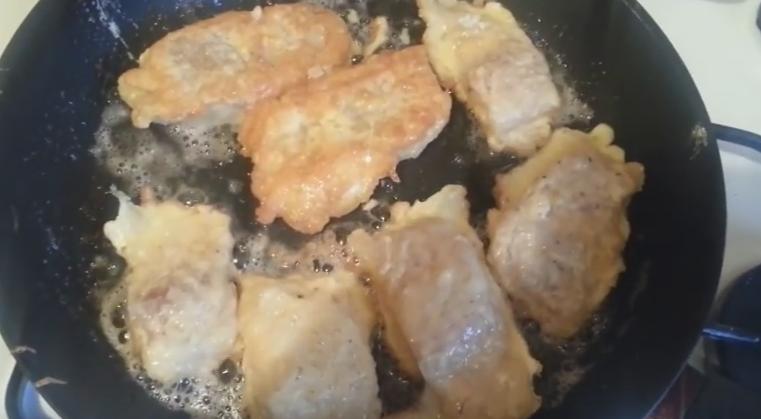 видео как приготовить минтай в кляре на сковороде