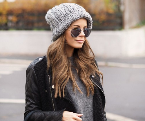 ... f14b130716ad9d98946bb87264069034 Модні зимові жіночі шапки 2018 2019 –  фото 4e934ee0cc923