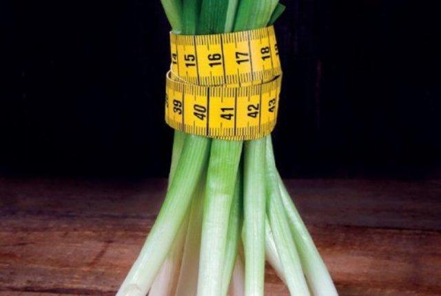 Лук Зеленый Польза В Похудении. Помогает ли зеленый лук для похудения, полезные свойства и советы диетологов